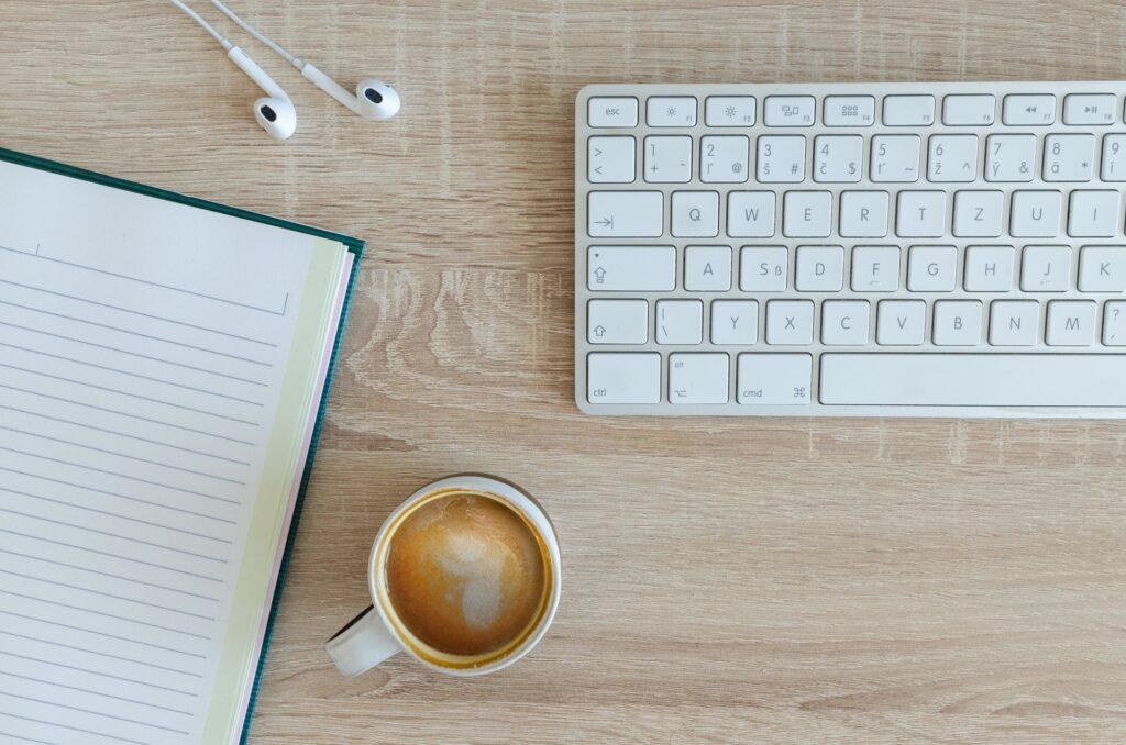 هل الكتابة مصدر دخل؟